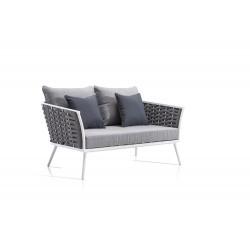 Sofá de dos plazas modelo AIoros.